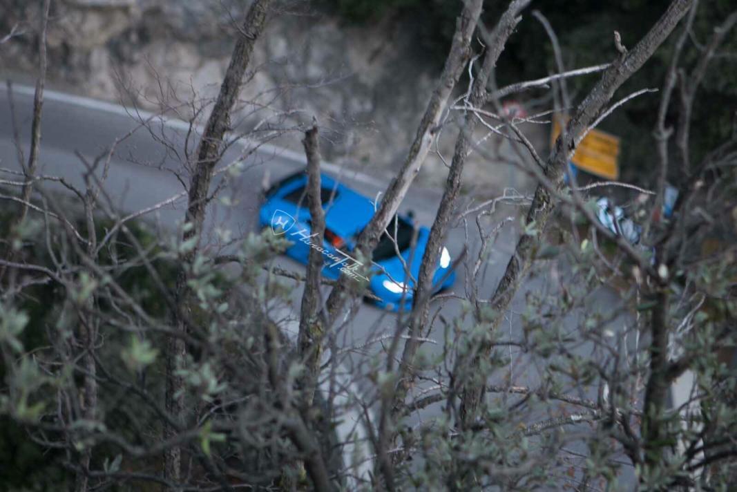 Lamborghini Huracan Superleggera Revealed in Spy Photos?-photo-30-11-2015-01-25-27-jpg