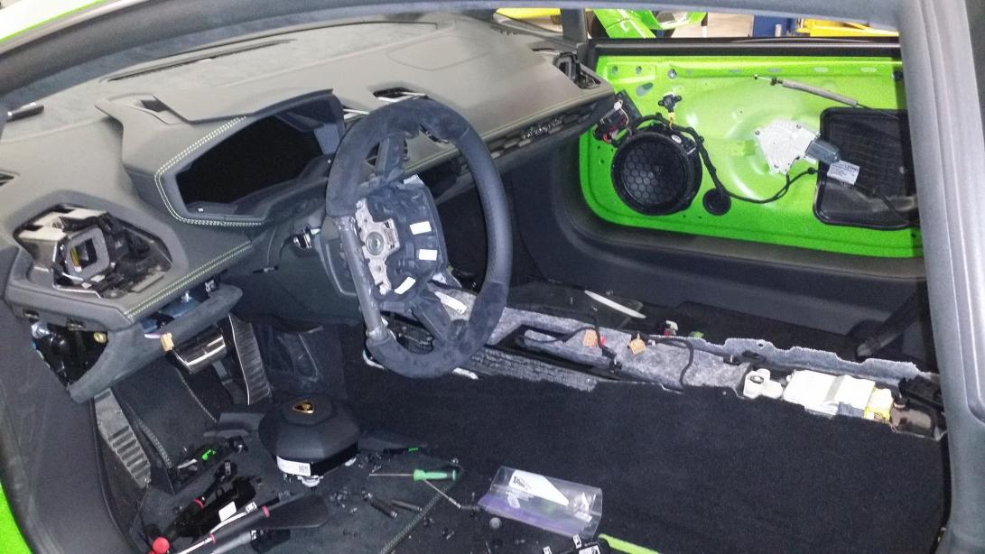 The Famous Autosports SEMA 2015 Huracan build is here!-famous_huracan_in_process_interior-jpg