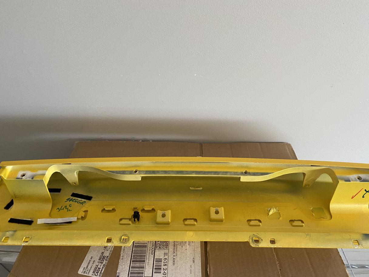 OEM Huracan decklid(yellow)-img_8623-jpg