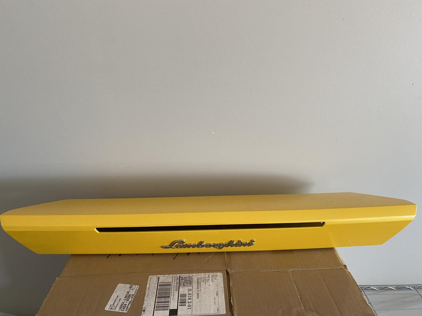 OEM Huracan decklid(yellow)-img_8622-jpg